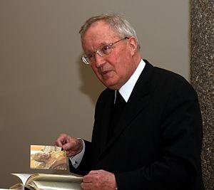 Deutsch: Prof. Dr. Norbert Trippen bei der Vor...