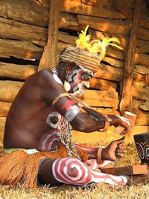 Bahasa Indonesia: Orang suku Asmat dari Papua,...