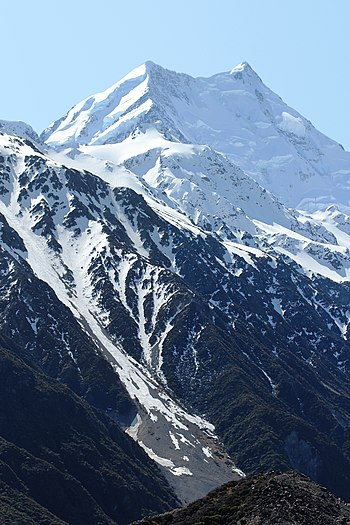 English: Aoraki/Mount Cook, New Zealand's high...