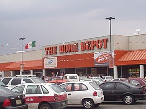 English: Overview of Home Depot store