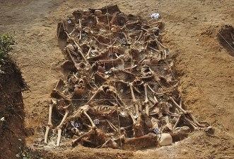 Una de las fosas comunes descubiertas en Estépar (Burgos) proveniente de agosto-septiembre de 1936, al inicio de la Guerra Civil Española.