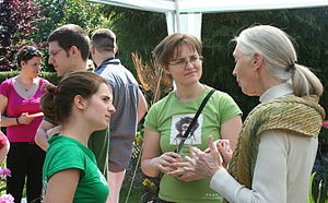 English: Jane Goodall with volunteers of Roots...
