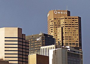 English: Picture of the Qwest corporate buildi...
