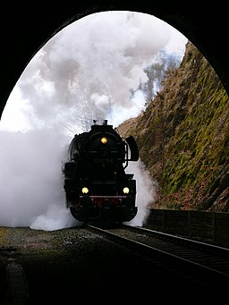 DR Class 52.80 entering tunnel
