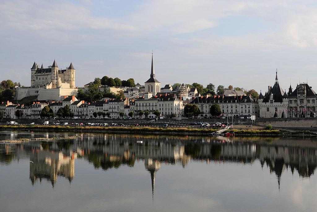 La Loire traversant la ville.