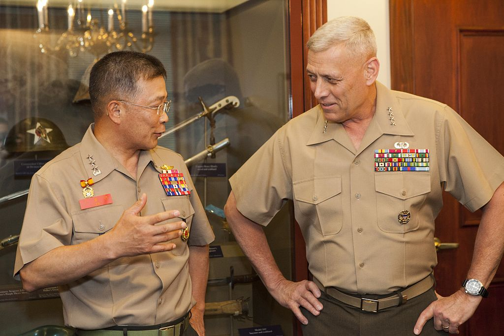 FileThe Assistant Commandant of the Marine Corps Gen John M Paxton Jr right meets with