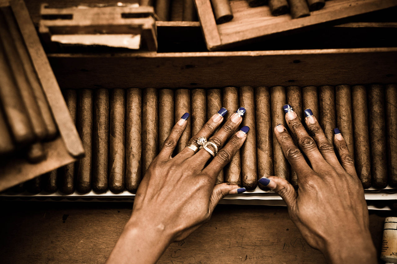 FileHandmade Cigar Production Process Tabacalera De Garcia Factory Casa De Campo La Romana