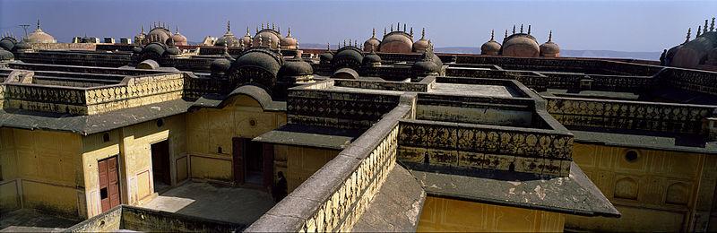 File:Jaipur, Madhvendra Palace.jpg