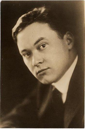 English: Portrait of journalist Walter Lippman...