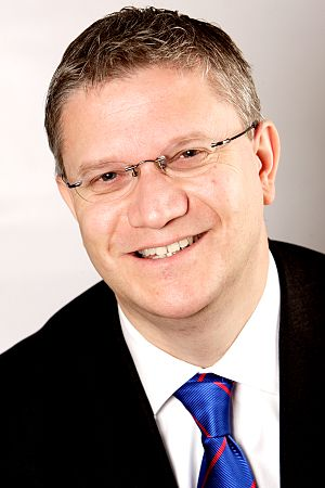 English: Photograph of Andrew Rosindell MP