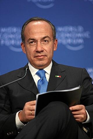 https://i0.wp.com/upload.wikimedia.org/wikipedia/commons/thumb/9/9e/Felipe_Calderon_20090130.jpg/320px-Felipe_Calderon_20090130.jpg