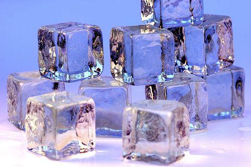 Ice cubes openphoto