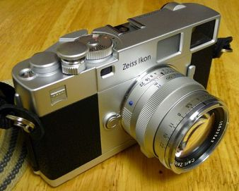 Zeiss Ikon ZM 35 mm rangefinder camera with Planar T* 50mm F2 lens and silver Abrahamsson soft release