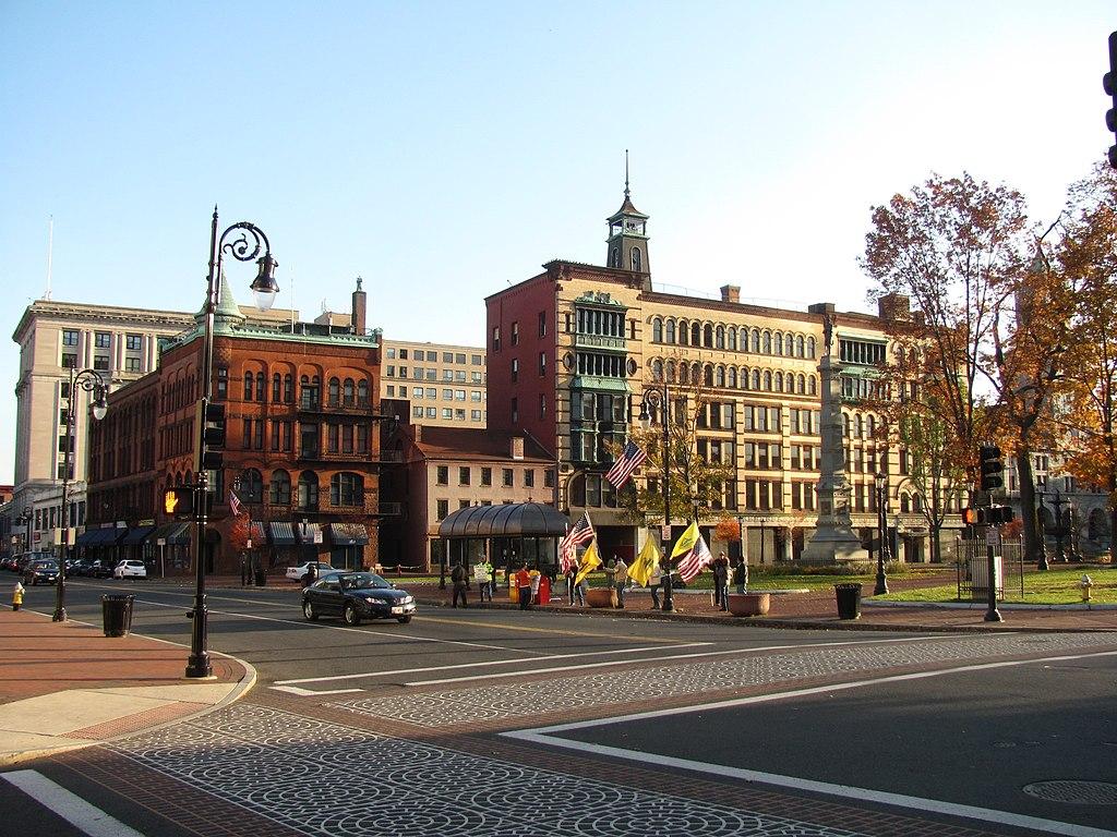 Filecourt Square, Springfield Majpg  Wikipedia