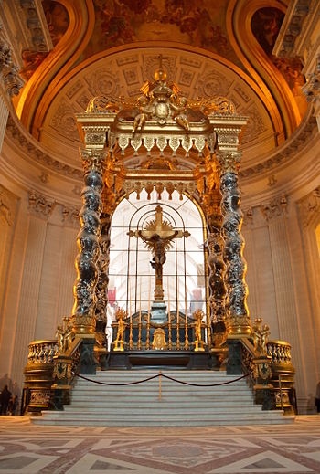 English: HDR-Picture of the altar in