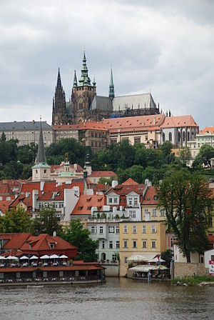 English: Prague Castle and the Malá Strana - d...