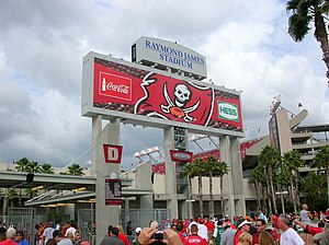 Raymond James Stadium entrance, Tampa, Floride...