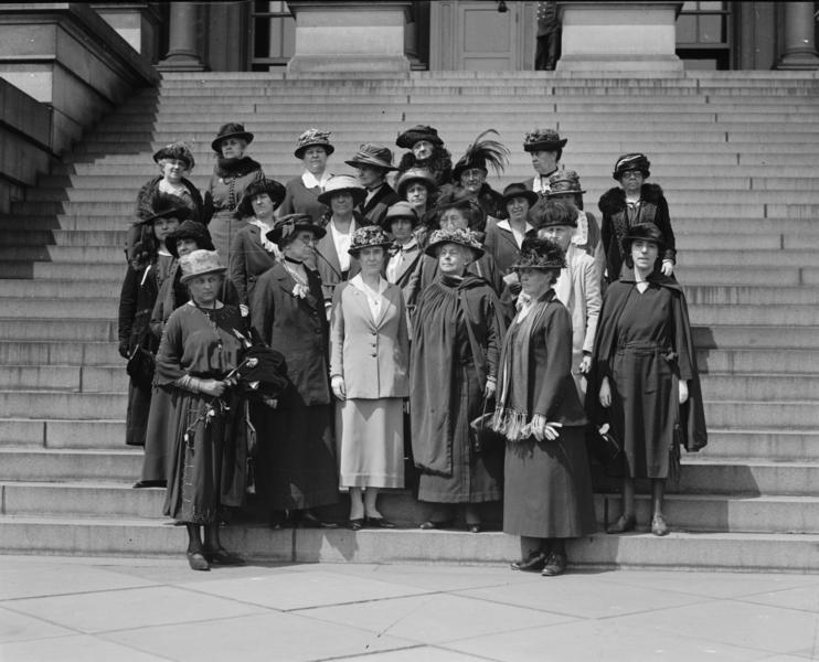 Ficheiro:Women's International League, 5. 1. 1922.png