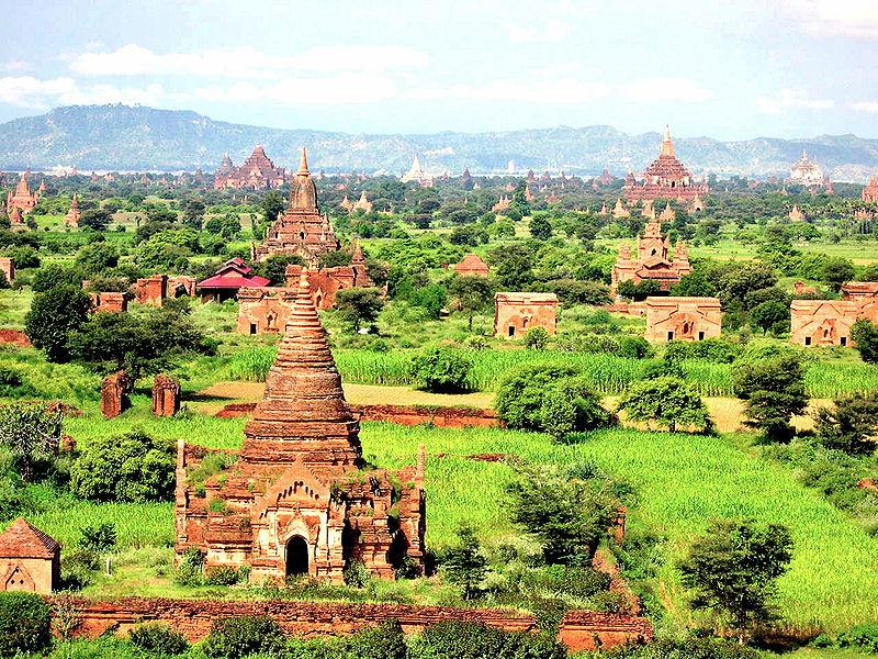 File:Buddhist Stupas in Bagan, Myanmar.jpg