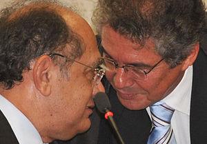 Português: Os ministros Gilmar Mendes e Marco ...