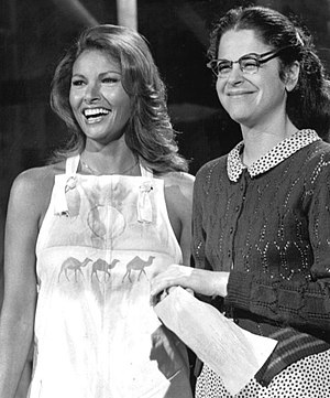 English: Publicity photo of Raquel Welch and G...