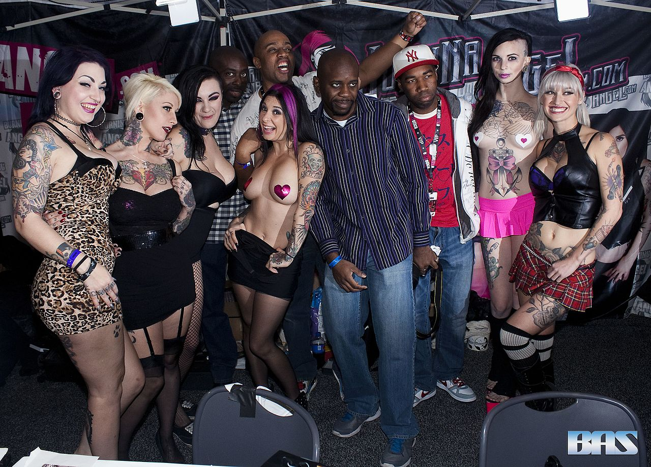 FileDraven Star Jessie Lee Scarlet LaVey Joanna Angel Sierra Cure and Kleio Valentien at