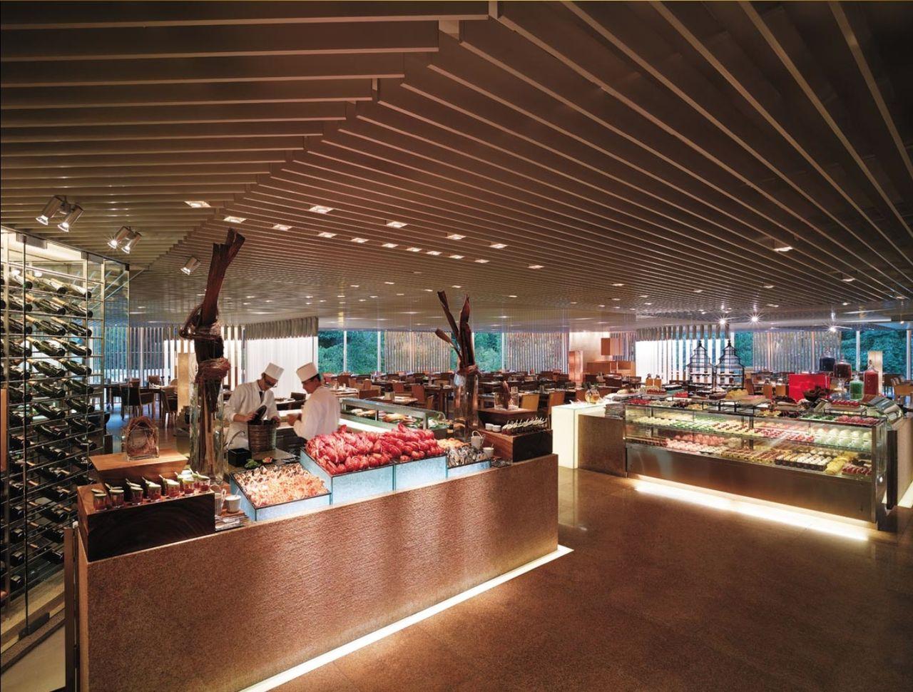Archivo:Island Shangri-La. Hong Kong - Cafe TOO.jpg - Wikipedia. la enciclopedia libre