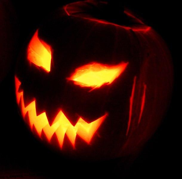 File:Jack-o'-Lantern 2003-10-31.jpg