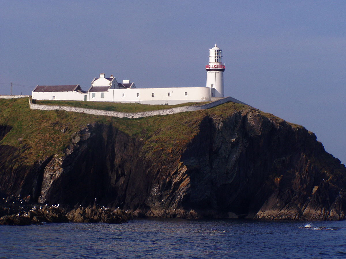 Galley Head Lighthouse  Wikipedia