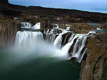 English: Shoshone falls located in the state o...
