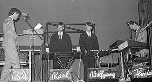 Kraftwerk concert in Zürich, 1976. Français : ...