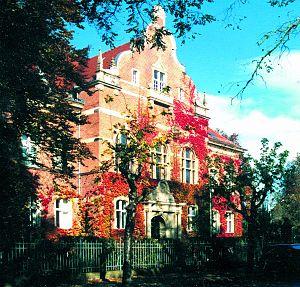 Potsdam-Mittelmark District building, Belzig; ...