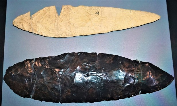 Paleolithic Stone Tools from Hokkaido - Joy of Museums - National Museum of Nature and Science, Tokyo
