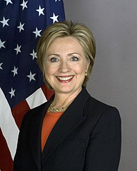https://i0.wp.com/upload.wikimedia.org/wikipedia/commons/thumb/a/a3/Secretary_Clinton_8x10_2400_1.jpg/200px-Secretary_Clinton_8x10_2400_1.jpg