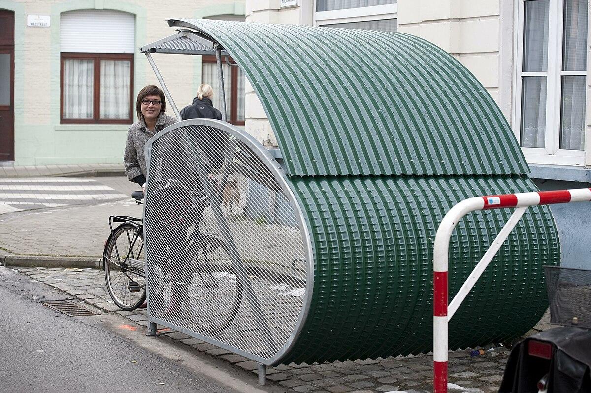 fietsenstalling  WikiWoordenboek