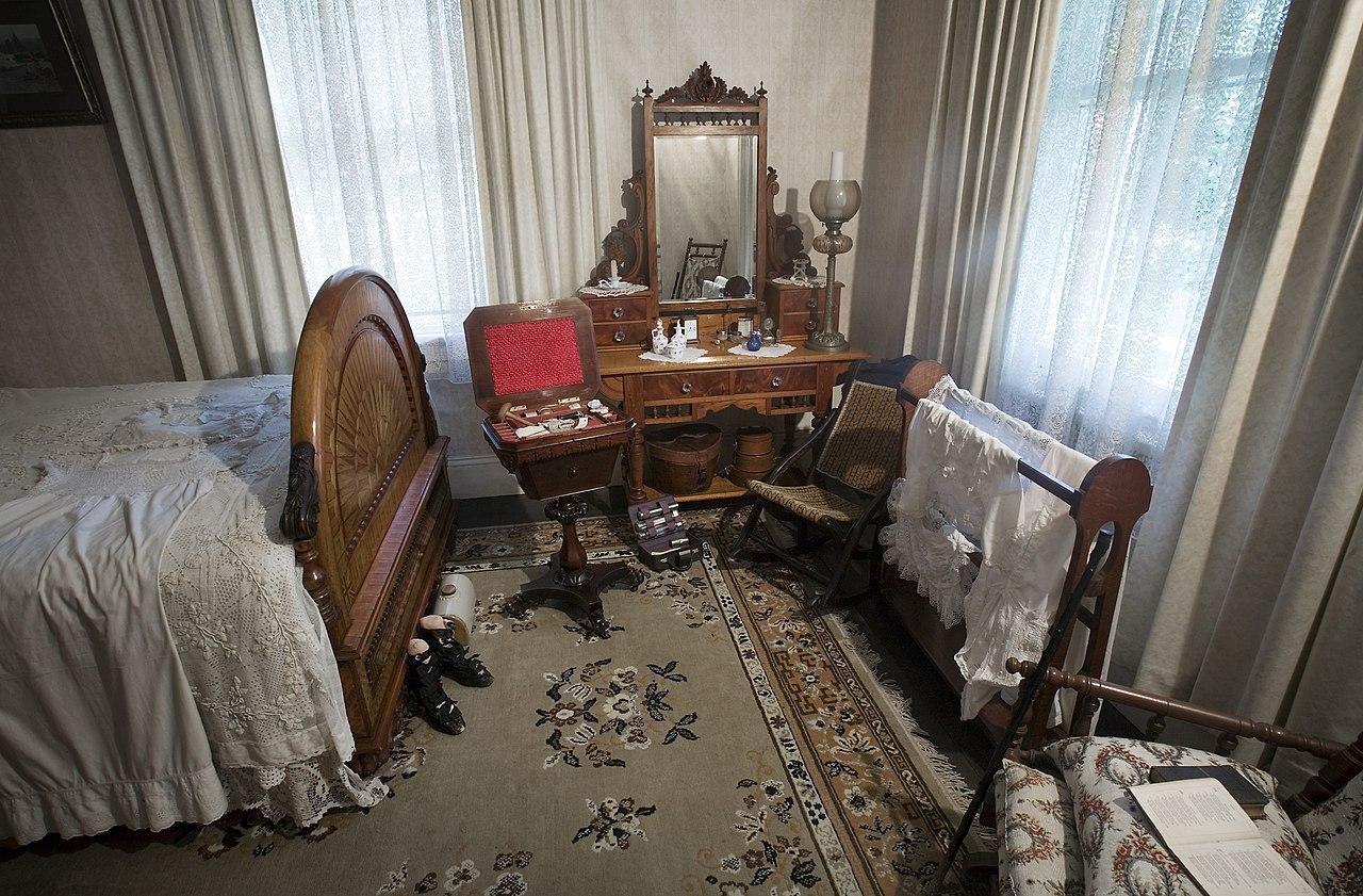 File19th century bedroom Auckland  0834jpg  Wikimedia