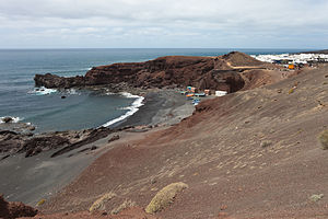 English: Beach of El Golfo, Lanzarote, The Can...
