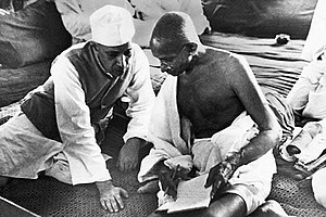 English: Pandit Nehru and Mahatma Gandhi durin...