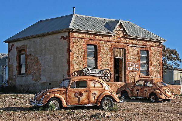 Australian Artist Peter Browne
