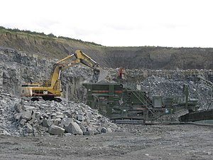 English: Barrasford Quarry Loading a stone cru...