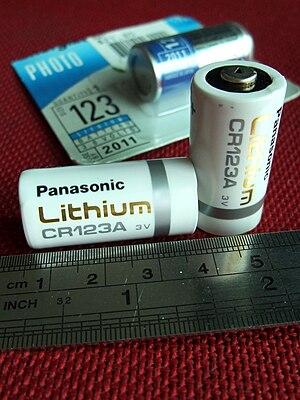 English: Panasonic CR123A Lithium battery 中文(...