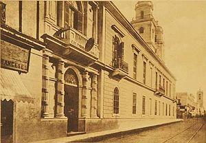 Español: El antiguo edificio del Colegio Nacio...