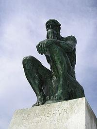 """""""El Pensador"""", de Auguste Rodin, en el museo Rodin en Paris"""