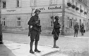 English: Czechoslovak soldiers in Krásná Lípa ...