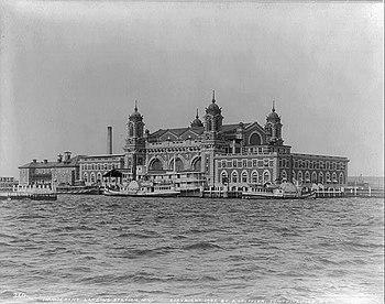 English: Ellis Island's Immigrant Landing Stat...