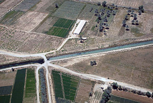In Iraq, canals make the difference between lu...