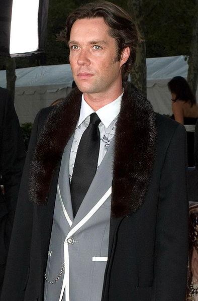 File:Rufus Wainwright at Met Opera cropped.jpg