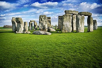 English: A photo I captured of Stonehenge in A...
