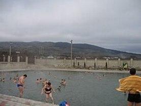 Аушигер. Открытый бассейн с горячей (t около 40°С) водой. Зимние съёмки