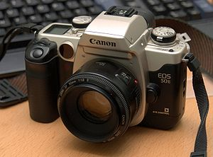 English: A Canon EOS 50e autofocus SLR camera